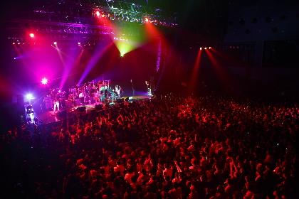 LOVE PSYCHEDELICOのライブに、世界的パーカッショニストが飛び入り参加 ビルボードライブ公演を発表