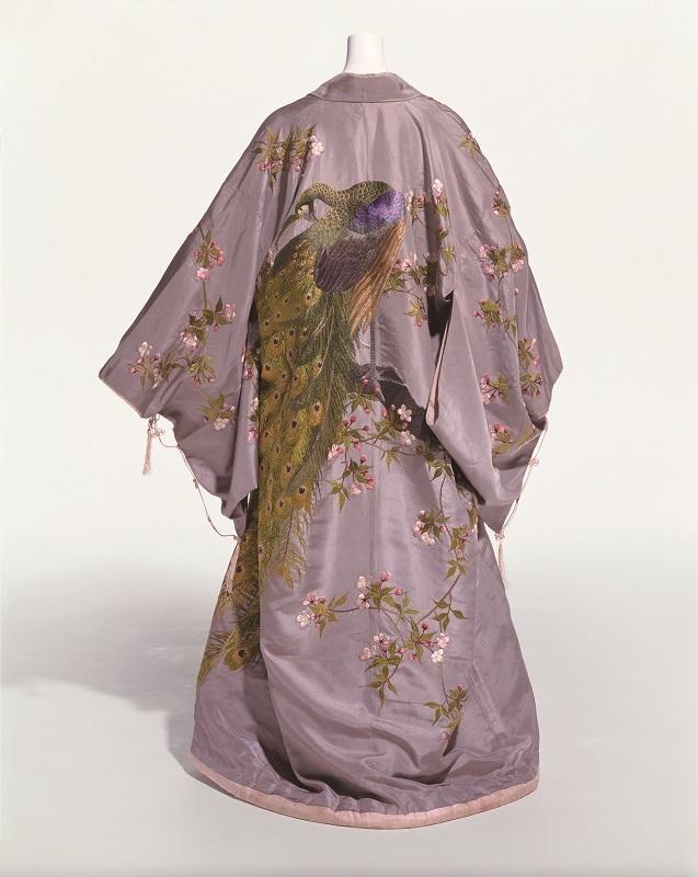 飯田髙島屋 「室内着」 1905(明39)年頃 操上和美撮影