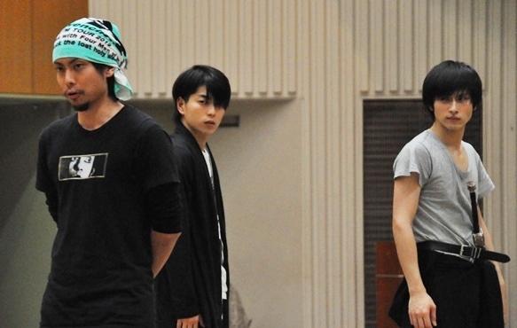 (左から)中山義紘、松井勇歩、村川勁剛