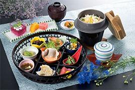 磐田グランドホテルとコラボした抽選会では、ホテルの食事券などが当たる抽選会を実施する