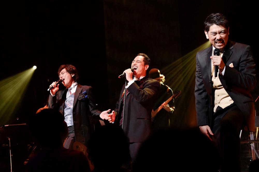 ミュージカルスターというより、ロックスター!!『cube三銃士 Mon STARS Concert』(2015年の模様から) 撮影:江隈麗志