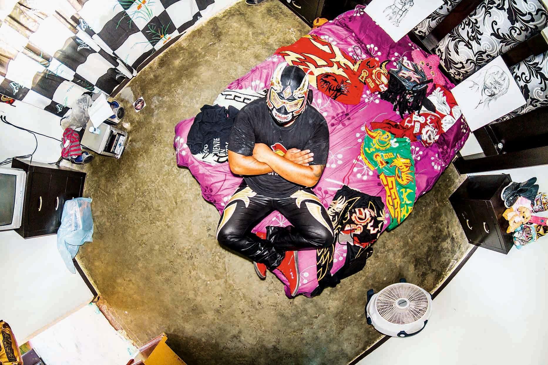 伝統的プロレスラーの部屋(メキシコ)King Warrior II