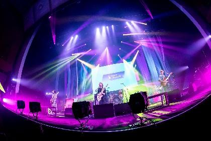 SCANDAL、ワールドツアーを再現した一夜限りの配信ライブを世界生中継&2021年の結成15周年記念日に大阪城ホール公演開催を発表