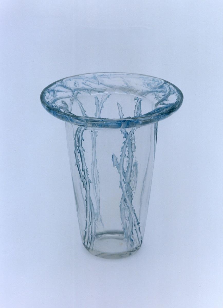 花瓶《棘》1913年 透明ガラス、プレス成形、ブルー・パチネ
