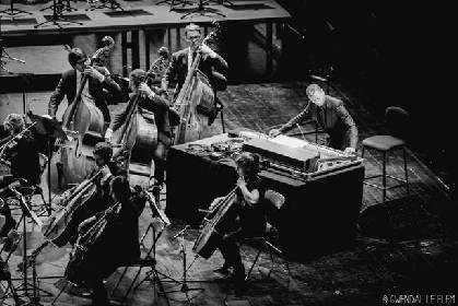 テクノとクラシックの共演! 爆クラ presents ジェフ・ミルズ × 東京フィルハーモニー交響楽団