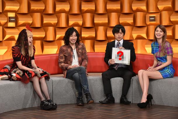 写真左よりきゃりーぱみゅぱみゅ、斉藤和義、バカリズム、マギー。 (c)日本テレビ