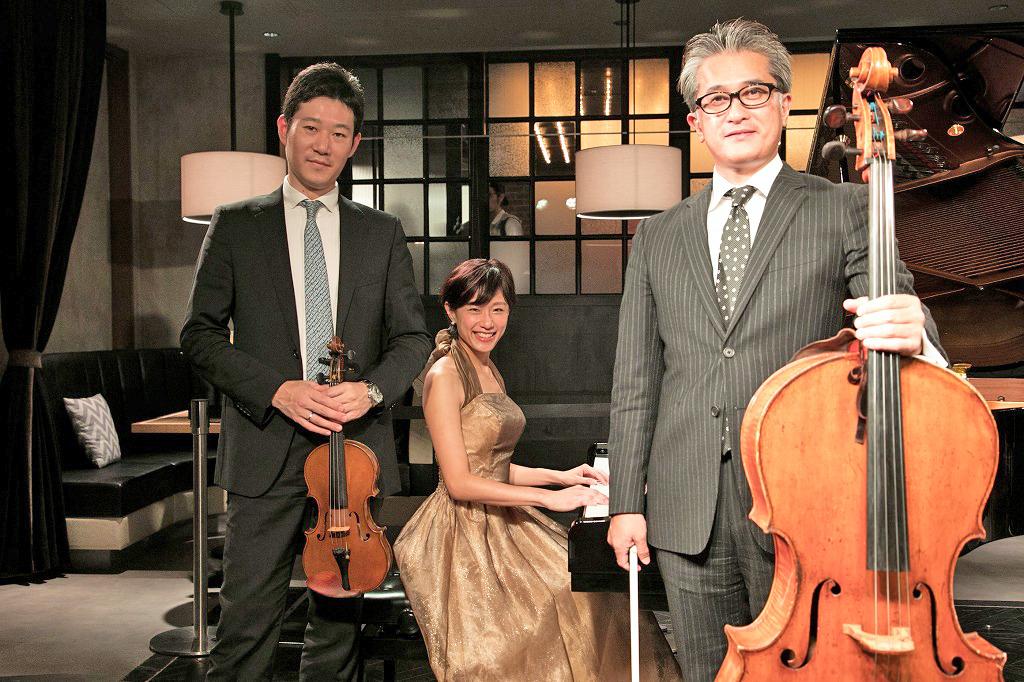 大宮臨太郎(ヴァイオリン)、重松華子(ピアノ)、山内俊輔(チェロ)