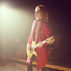 YOSHIKI、HIDEの23回忌に出会いと現在への影響を語る 「僕がバンドに誘わなかったら、今でもHIDEは生きてたかもしれない」