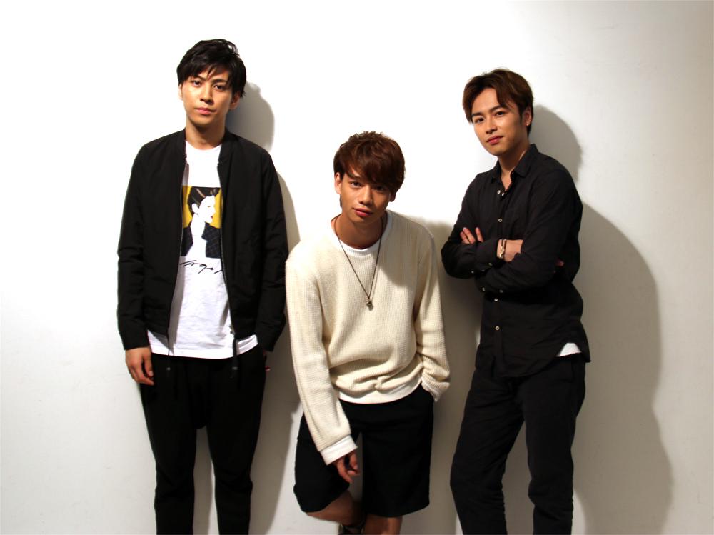 (左から)井澤勇貴、池田純矢、鈴木勝吾