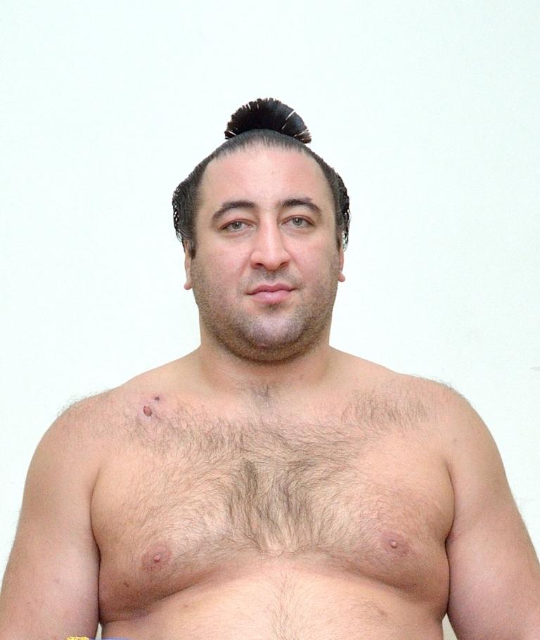 「特別応援サポーター」に就任したジョージア出身の大相撲力士・栃ノ心関