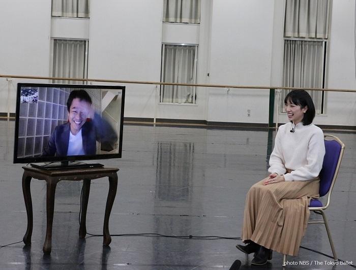リモートで対談する山本康介(左)と高田茜(右)