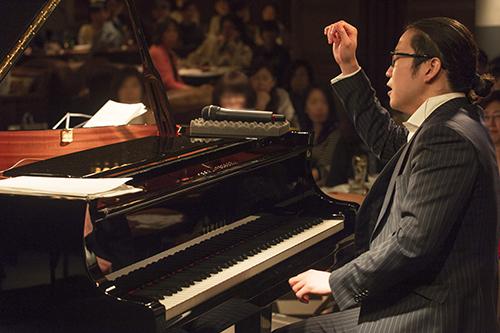 反田恭平(ピアノ) (撮影=岡崎雄昌)