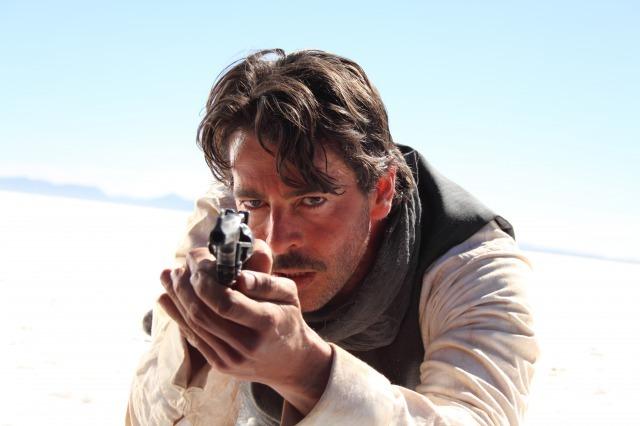 エドゥワルド役のエドゥアルド・ノリエガ。ザ・イケメン俳優です (C) 2010 Eter Pictures AIE, Nix Films AIE, Arcadia Motion Pictures SL, Manto Films AIE