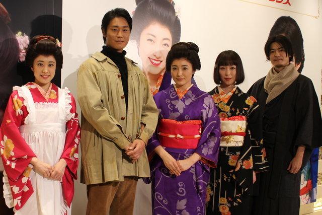 左から福田沙紀、永井大、仲間由紀恵、若村麻由美、窪塚俊介