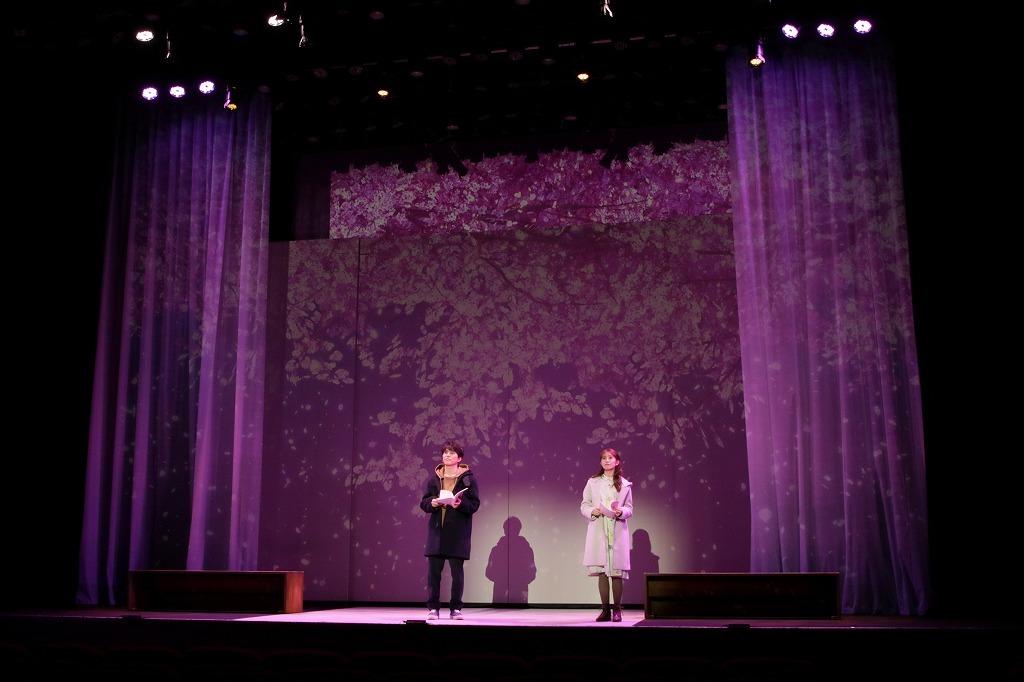 (左から)入野自由、桜井玲香 撮影:阿久津知宏
