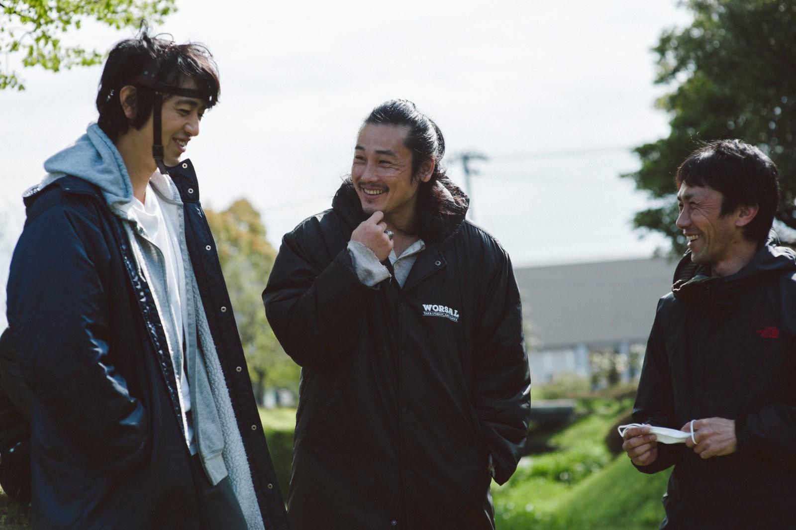 左から、斎藤工、坂口拓(TAK∴)、下村勇二監督  (C)「リボーン」製作実行委員会