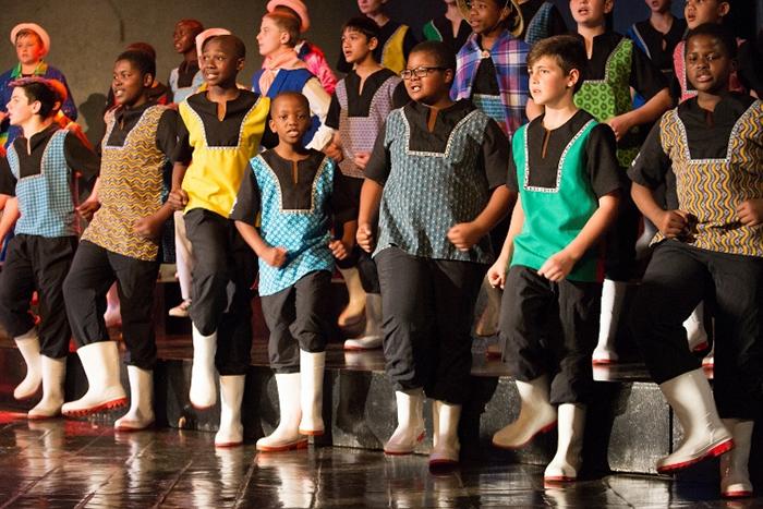 2005年の「愛・地球博」でも披露した「ガムブーツダンス」