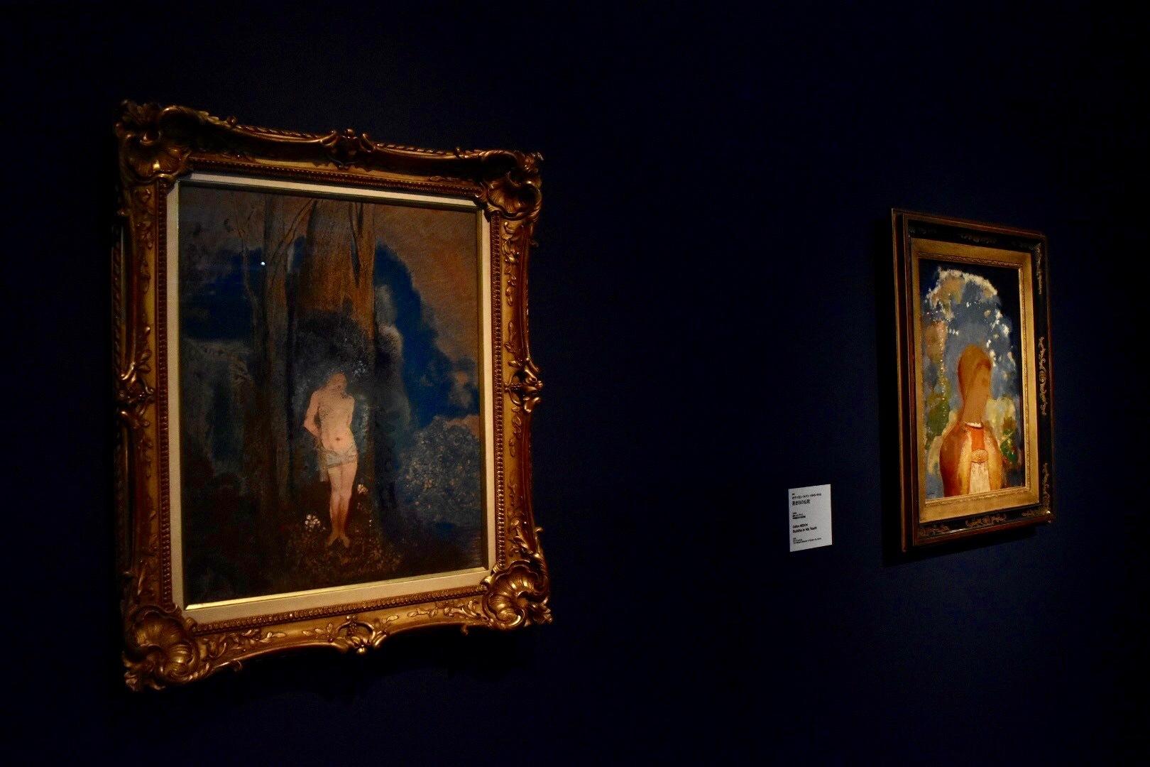 左から:《聖セバスティアヌス》 オディロン・ルドン 1910-13年頃 群馬県立近代美術館蔵、《若き日の仏陀》 オディロン・ルドン 1905年 京都国立近代美術館蔵