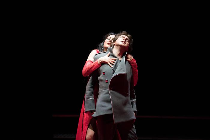 ブルガリア国立歌劇場『カルメン』(現地公演舞台写真)