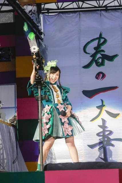 『ももクロ春の一大事2017 in 富士見市〜笑顔のチカラつなげるオモイ〜』1日目 有安杏果 Photo by HAJIME KAMIIISAKA+Z