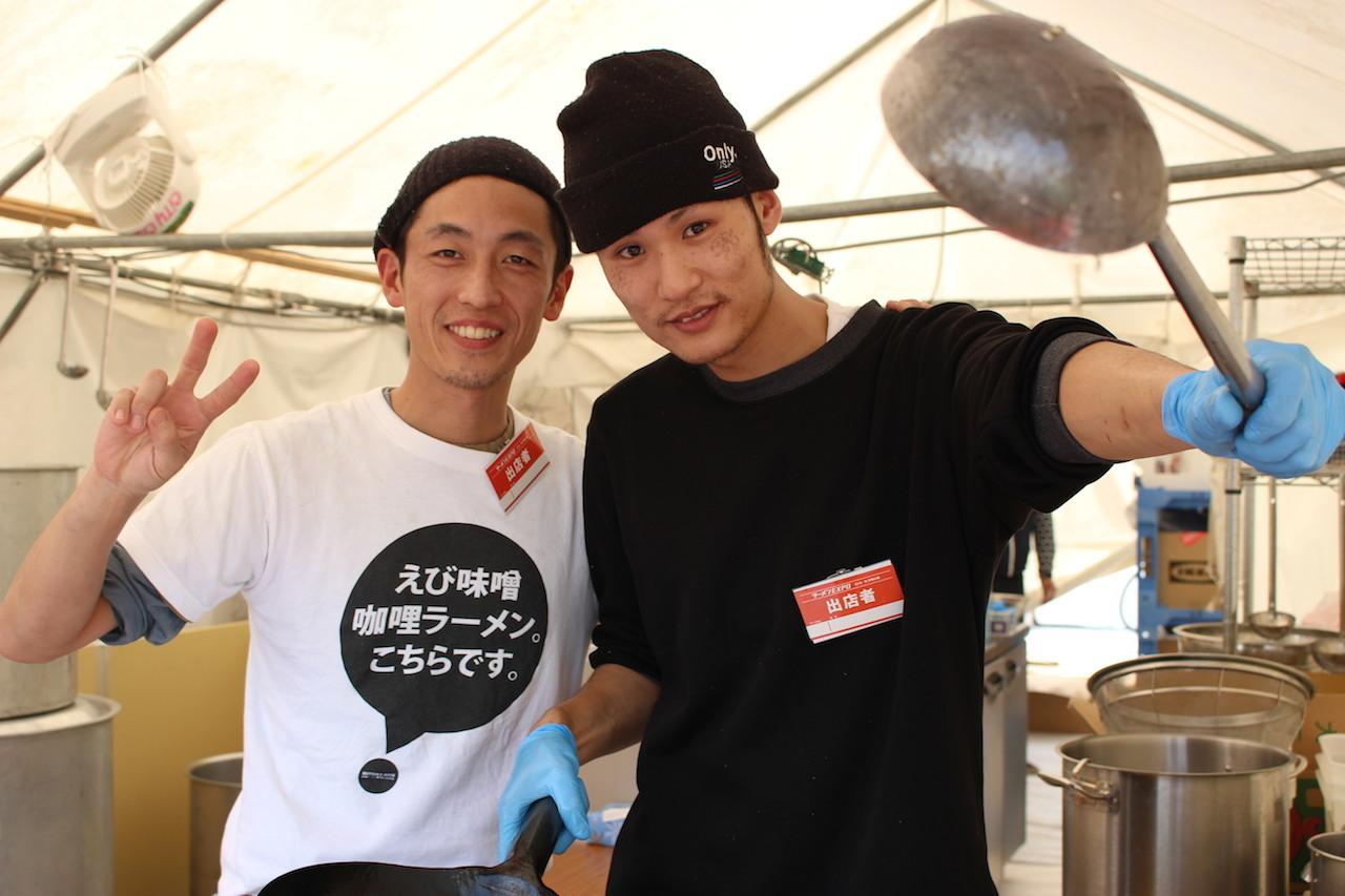 『みつか坊主』の斉藤光典さん(左)、『Style林』の林隆臣さん(右)