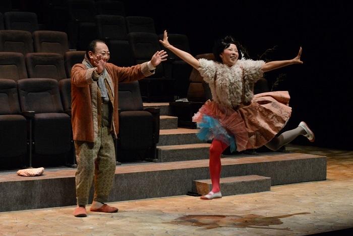 『病は気から』舞台写真(2017年公演より) (C)M.Hirao