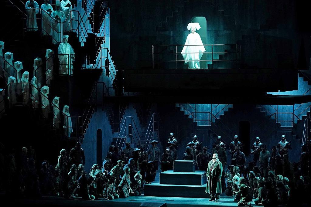 新国立劇場オペラ『トゥーランドット』 撮影:寺司正彦