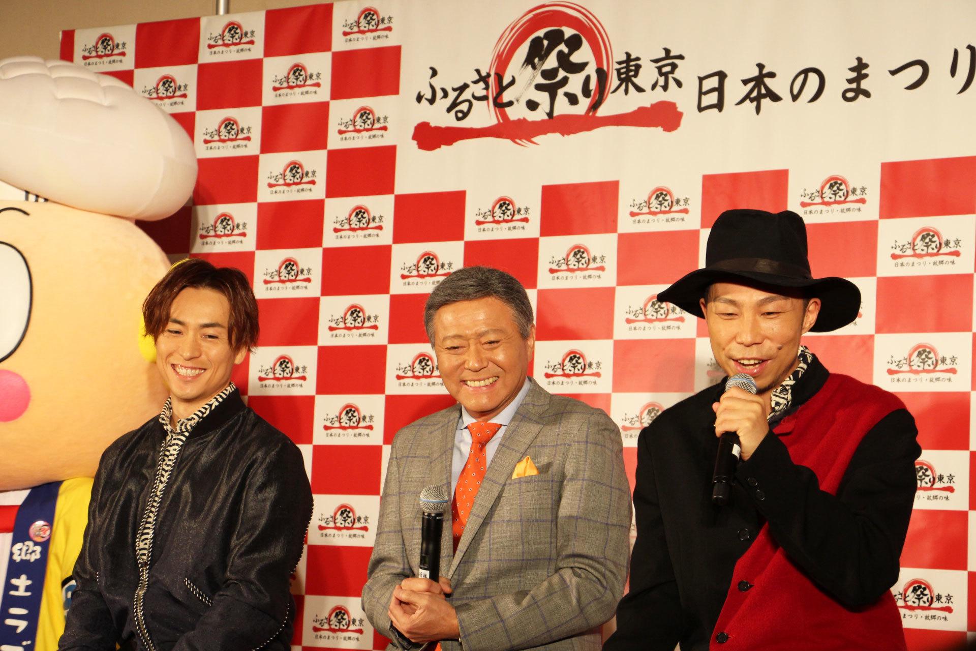 左から EXILE TETSUYA、小倉智昭、EXILE ÜSA