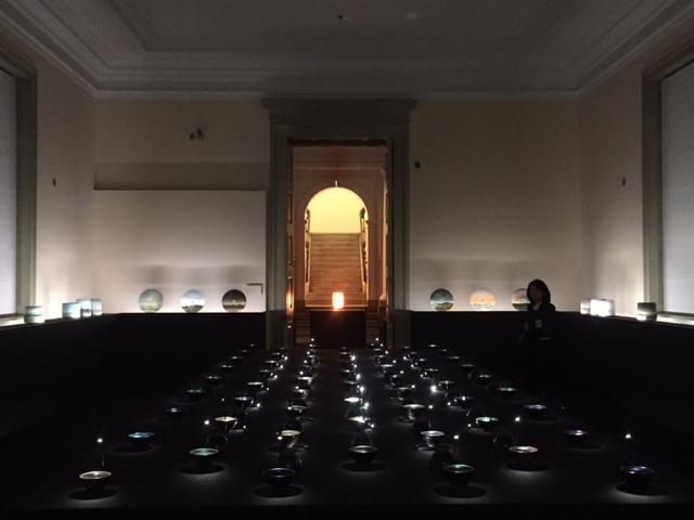 陶芸家のジャン・ジレル氏の作品がひしめく、第1室の全風景