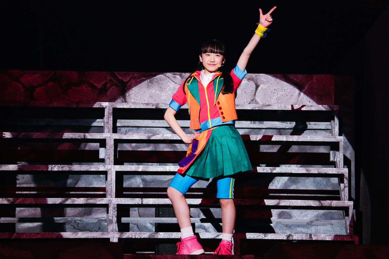 タイムマシーンと言えば…の名曲を披露する芦田愛菜。キュートな歌声とダンスに注目!