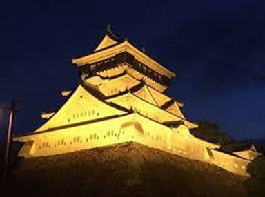小倉城を今年のテーマカラーのゴールドにライトアップ(※画像はイメージです)