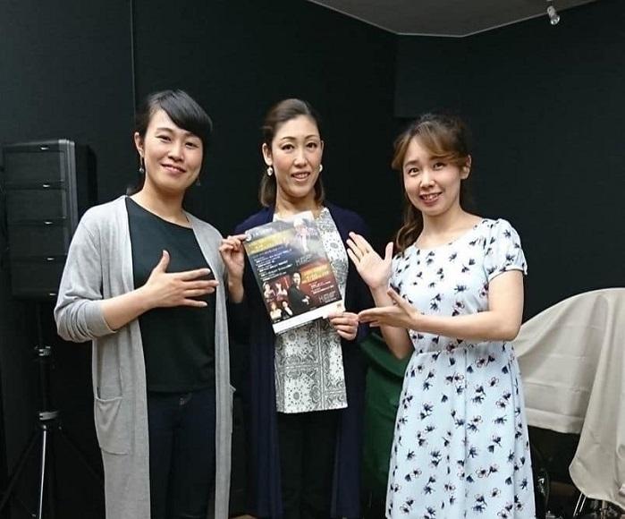 関西を中心に活躍中の3人。左から上村智恵、木澤佐江子、北野加織