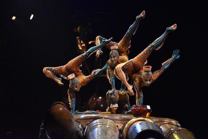 『ダイハツ キュリオス』東京公演公開リハーサルの様子。演目は『CONTORTION(コントーション)』  撮影=五月女菜穂