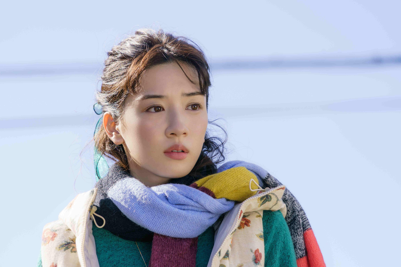 永野芽郁 (C)2021 映画「そして、バトンは渡された」製作委員会