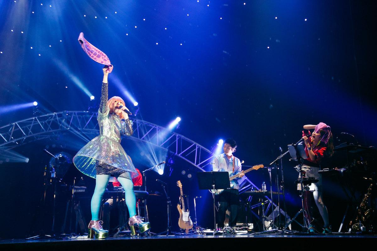 ライブツアー『降幡 愛 1st Live Tour APOLLO』最終公演より 撮影:江藤はんな ( SHERPA+ )