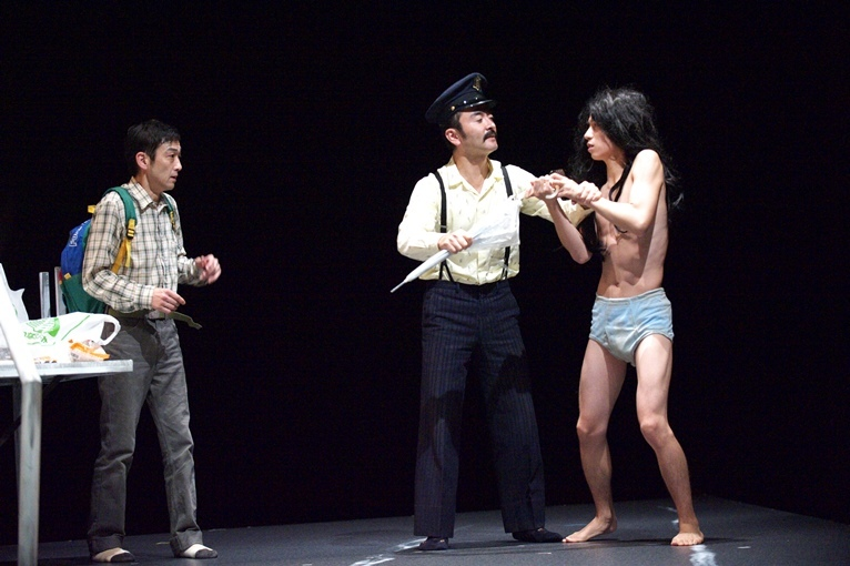 パルコ・プロデュース『ヒッキー・ソトニデテミターノ』(2012年初演より) [撮影]曳野若菜