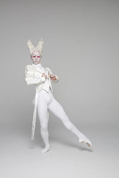 白ウサギ ©Yusuke Nishimura