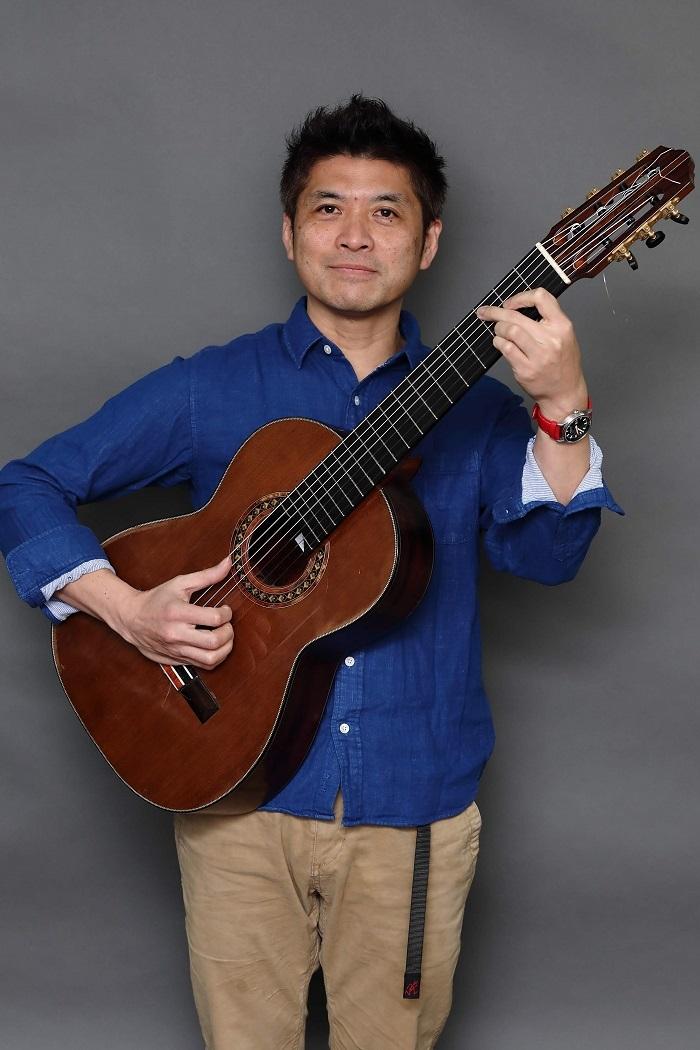 尾花毅(7弦ギター)