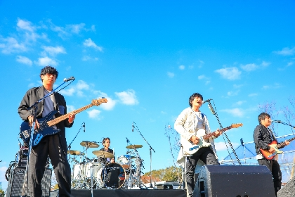 "flumpool が活動を再開、全国ツアーへ Vo.山村隆太が""歌唱時機能性発声障害""から復活"