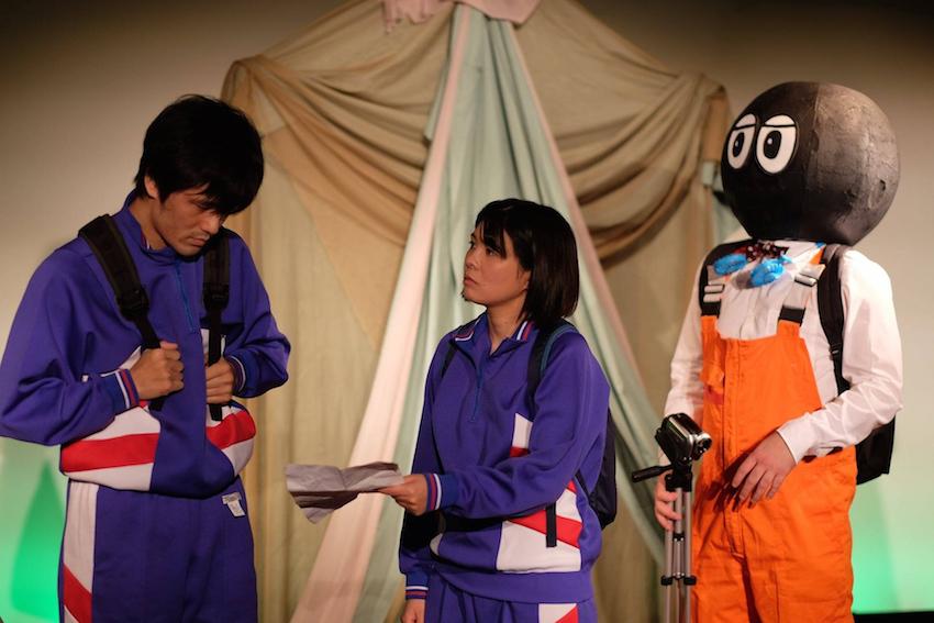 PUYEY 4th season『UP』の上演より(左端:五島真澄、中央:高野桂子)