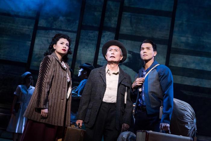 『アリージャンス/忠誠』  Original Broadway Company of Allegiance / photo by Matthew Murphy