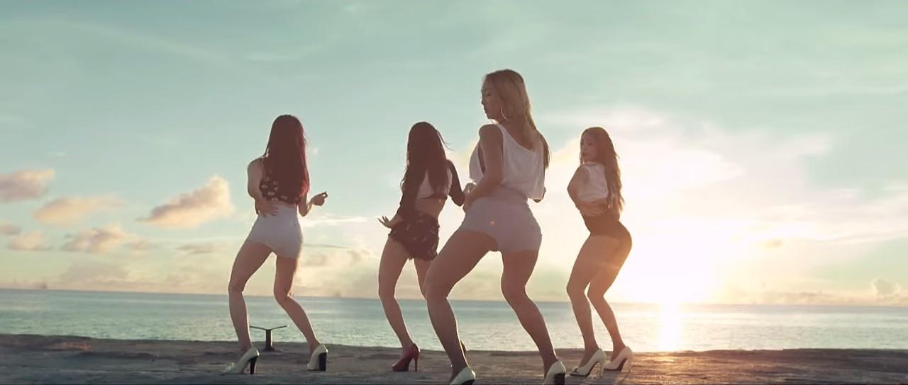 Sistar『I Swear』MVより(手前がヒョリン)
