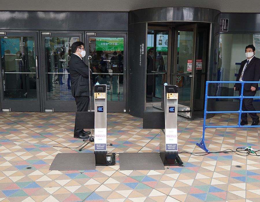 東京ドームの全入場口に導入される「自動電子入場ゲート」
