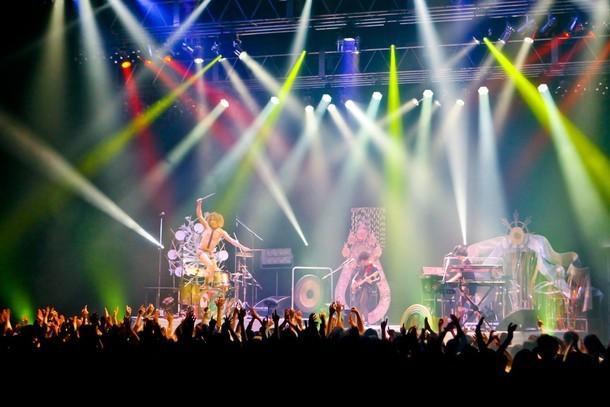 """モーモールルギャバン「Tour 2015 """"Would you be my friend?""""」最終公演の様子。(Photo by PETA)"""