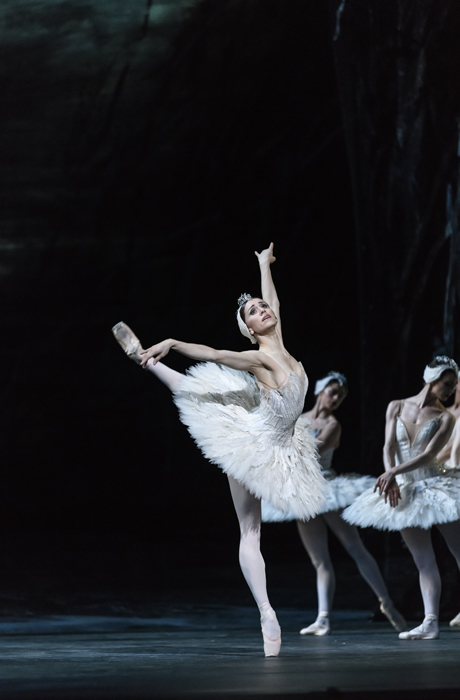 Swan Lake. Marianela Nuñez as Odette.  © ROH, 2018. Photogrpahed by Bill Cooper
