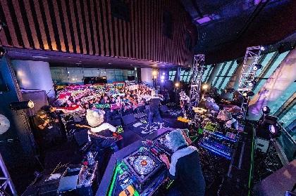 マンウィズ、ロックバンド史上初・東京スカイツリー(R)の天望デッキでライブ開催 朝4:20に約200人のファンが集結