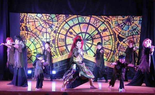 恋川心哉さんお誕生日公演ラストショー【アジアの海賊】。中央が心哉さん。(2016/10/28)