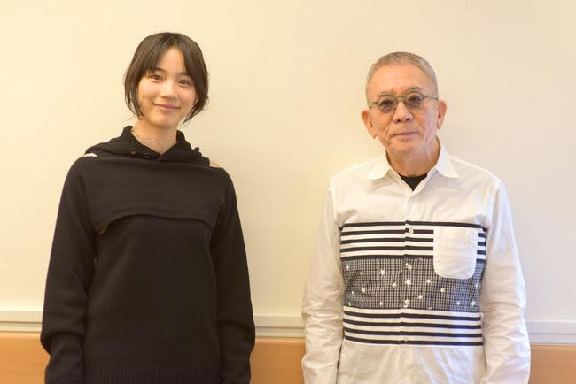 左から、のん、坂井直樹氏