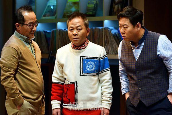 写真左から)ポール役のユ・ヨンス、サイモン役のウ・ヒョン、マックス役のキム・グァンシク
