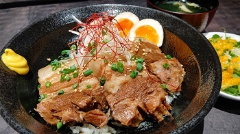 【沖縄県】アグー豚のラフテー丼